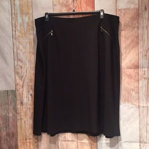 NWT 26/28 stretchy black flared career skirt P060